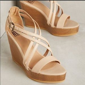 New Fortress of Inca Wedge Sandals Beige Size 9